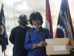 RCW Kepri Sambangi Kantor Nasdem Pertanyakan Masalah A Moral Perselingkuhan Anggota DPRD Batam